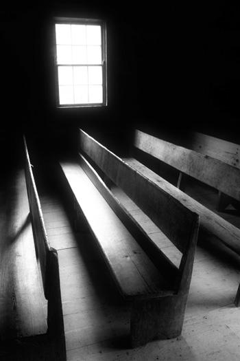 empty-church-pews